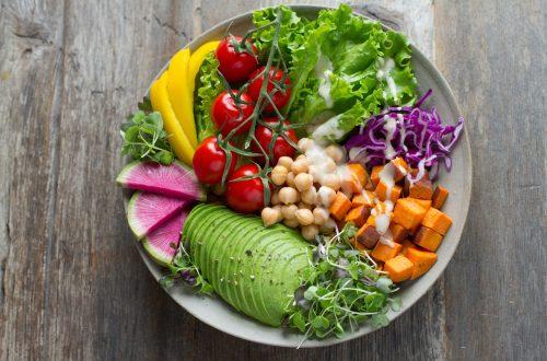 Une assiette végétarienne